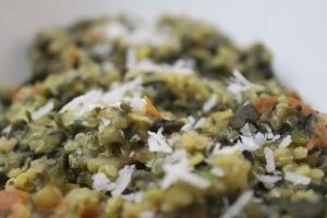 Quinoa Pongal (Quinoa Moong Dal Kitchdi)
